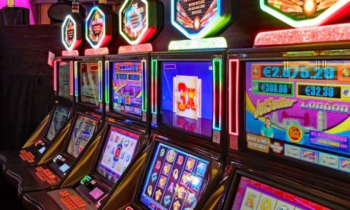 Why Is It Necessary To Look For A Reliable Online Casino Besides Any Other Trait?